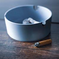 喫煙室を廃止する方